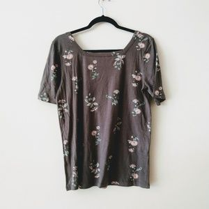 ❇️3/$30 Susina Women's Gray Floral Tee Size M New